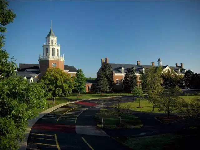 密尔沃基大学学校.webp.jpg