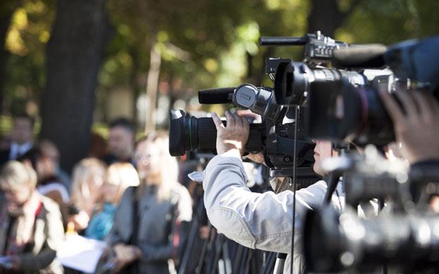 传统媒体没落了,企业就能轻松挖到好记者吗?.jpg