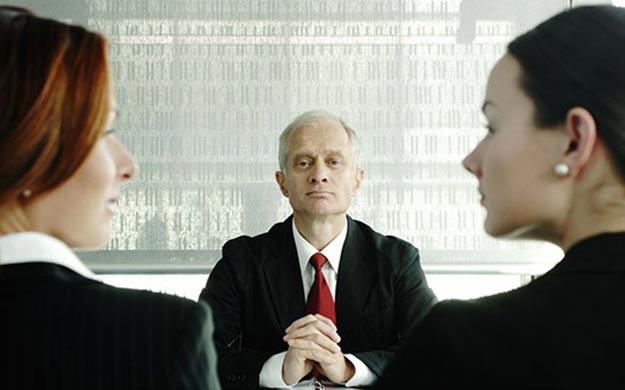 面试该如何回答面试中的这两个问题—最大的缺点和现在的工资!.jpg