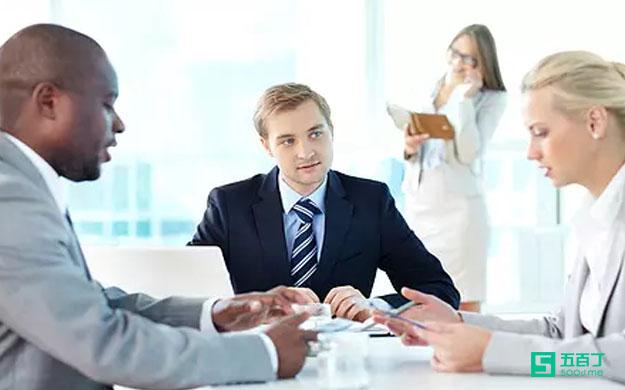 針對面試官的提問,求職者有哪些回答技巧?